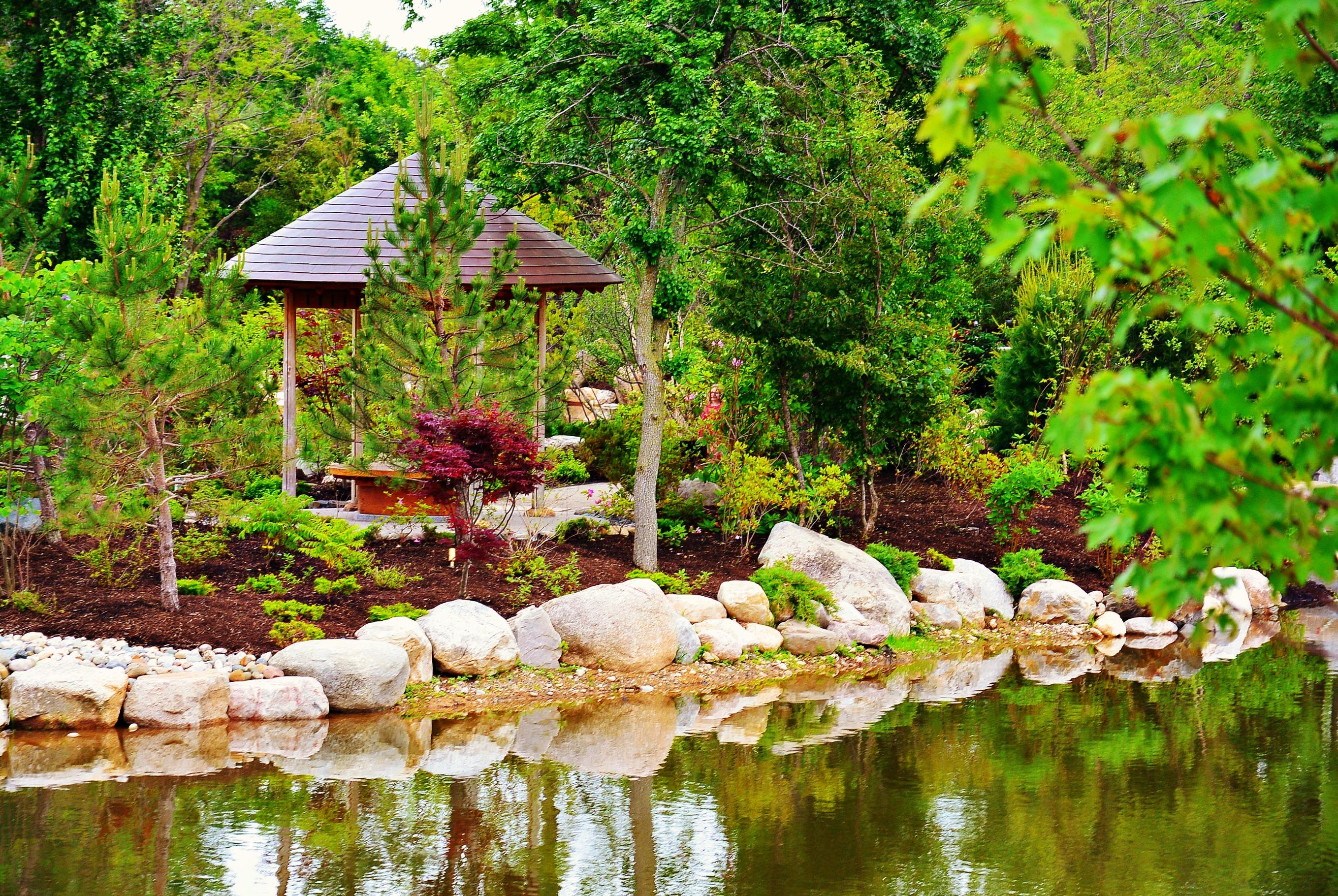 Japanese Garden At Frederik Meijer Gardens Opens To The